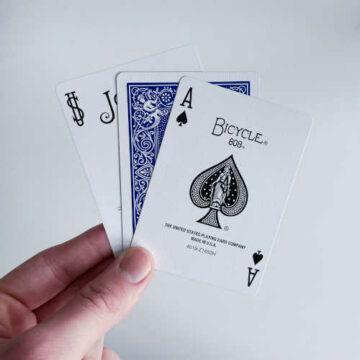 Drei Karten